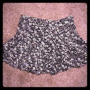 Forever 21 Black & White Flowered Pleated Skirt